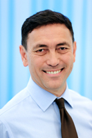 Meet Dr Darryl Marsh a Brisbane Dentist who has been practicing at this dental clinic since 1988.